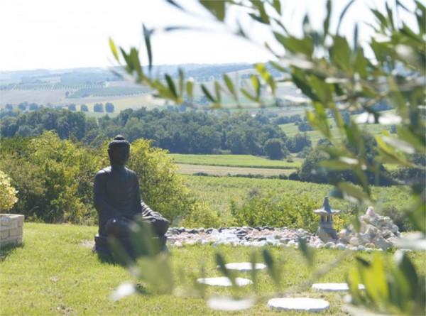 Relaxation, magnétisme et gestion de stress avec les sons Hémi-sync. Zome bien-être se situe à Moncaut (proche d'Agen) dans le Lot et Garonne.